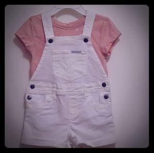 Calvin Klein denim overall w/tshirt set 2t